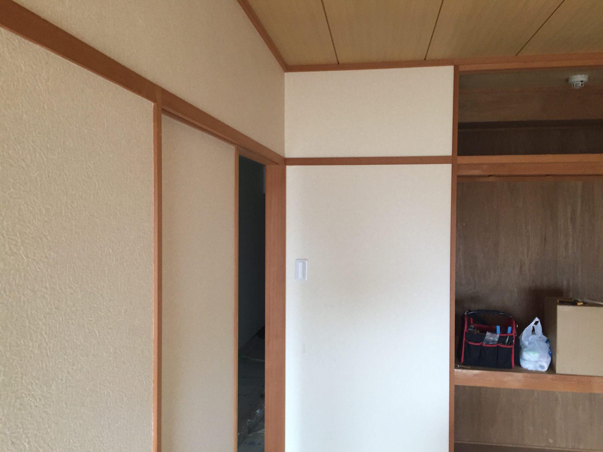 Diy 和室から洋室へのリフォームで室内木部の塗装をしました 和室は